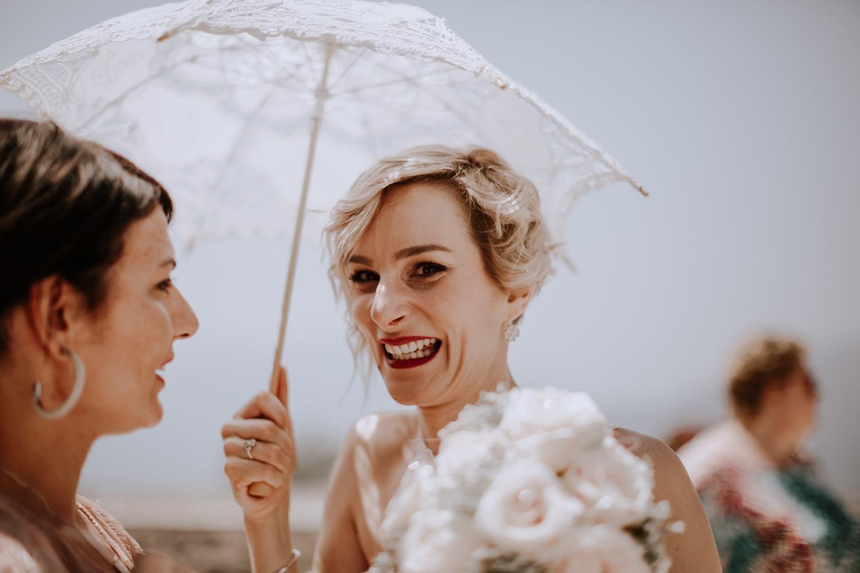 mariage château de Venon, préparatif, fleur mariage, make up, robe de marié grenoble, mariage grenoble, mairie, photographe mariage grenoble, photographe mariage savoie, photo de mariage