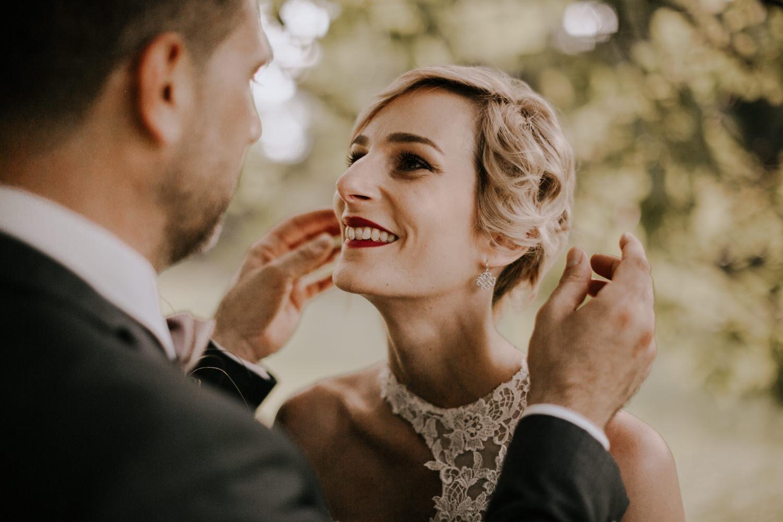 mariage château de Venon, préparatif, fleur mariage, make up, robe de marié grenoble, mariage grenoble, mairie, photographe mariage grenoble, photographe mariage savoie, photo de mariage, séance couple, amoureux, love