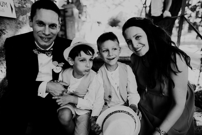 Mariage Château des Comtes de Challes, photographe mariage Chambery, photographe mariage haute savoie, portrait enfant, portrait famille