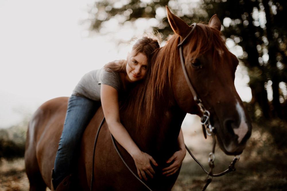 Photographe, amandine marque, portrait de femme, séance photo portrait -équine-cheval